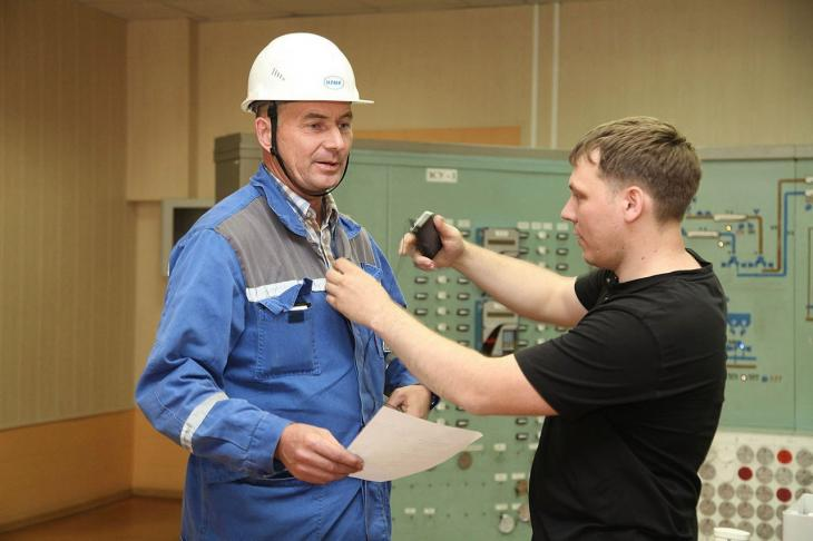Altai-Koks employees recite Pushkin